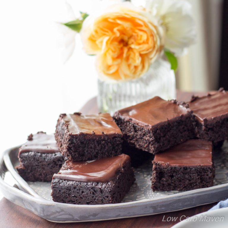 The KetoDiet Cookbook & Amazing Fudgy Keto Brownies! | Low Carb Maven