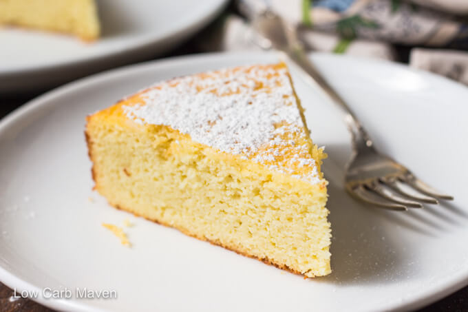 Lemon Cake With Pudding In The Middle