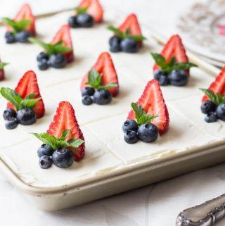 Festive Sour Cream Cake (Keto, Low Carb)