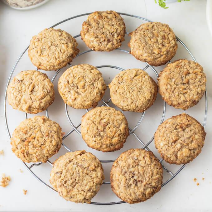 Sugar-Free Oatmeal Cookies (Low Carb, Keto)